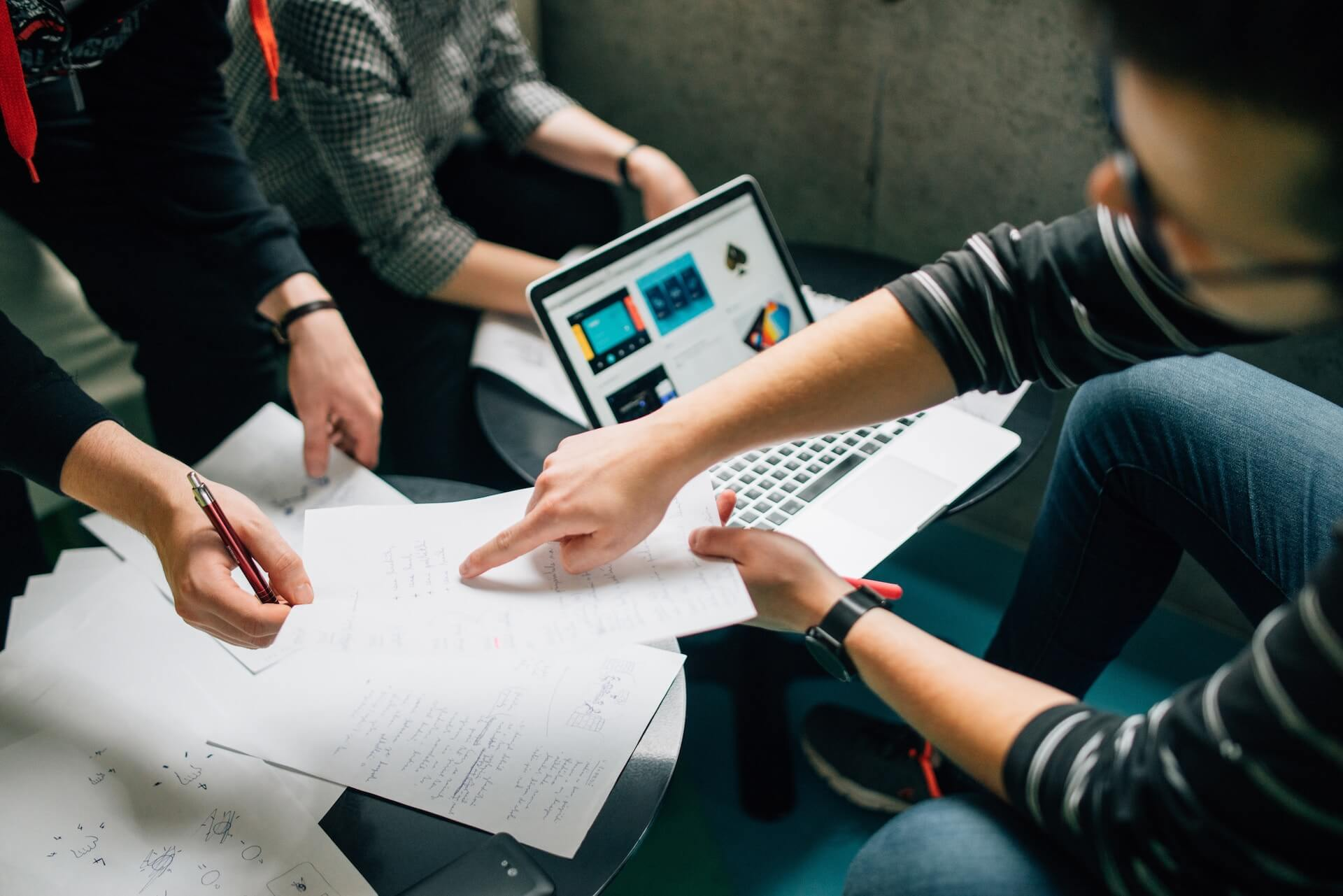 5 áreas de uma empresa que podem ser beneficiadas por um sistema de DAM